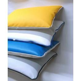 Cuscino in ecopelle nautica. colori su prenotazione